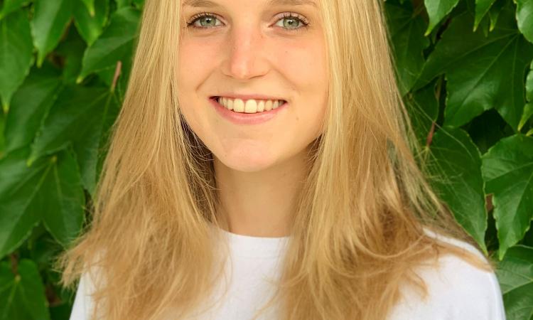 Portraitfoto Luna Müller-Hartburg